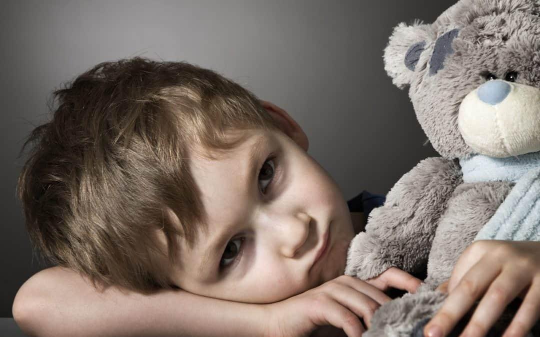 Vztahová poradna: Partner se po rozchodu málo zajímá o svého syna. Navádí ho nová přítelkyně?