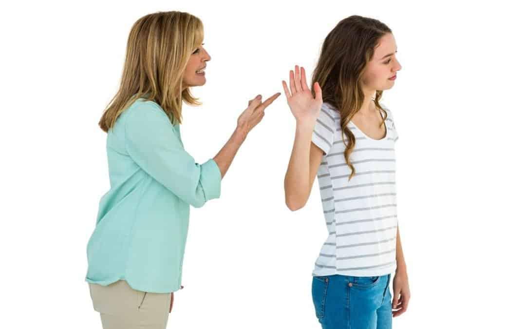 Vztahová poradna: Dcera mě nerespektuje a já jen křičím a nadávám