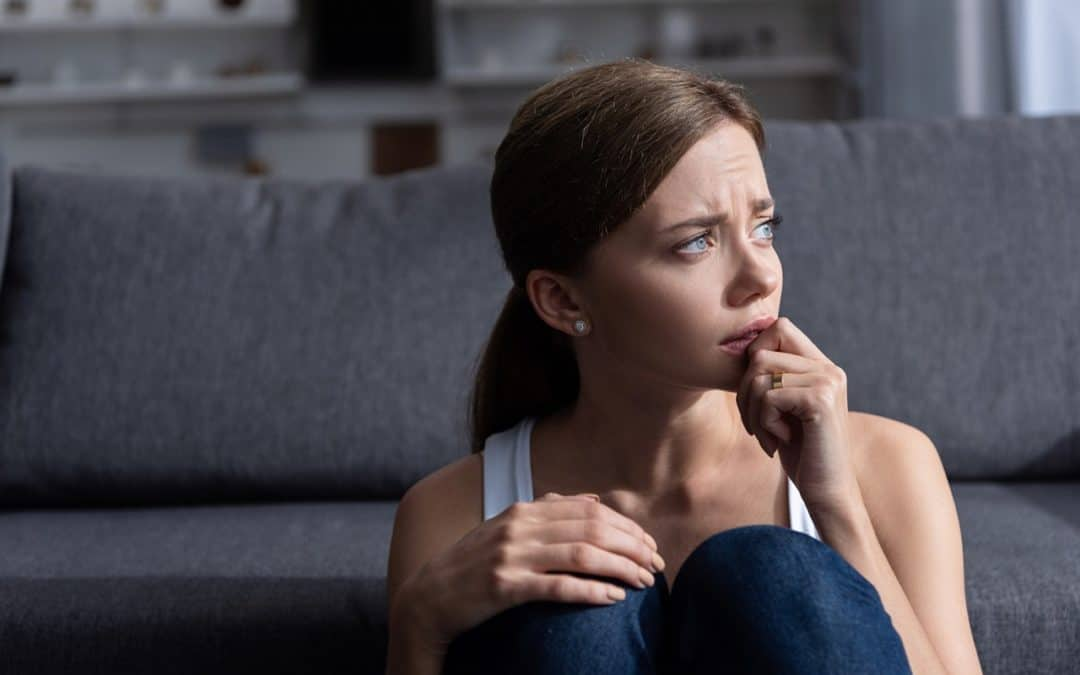 Vztahová poradna: Manžel je manipulátor, fyzicky mě napadl... mám ho vzít zpět?