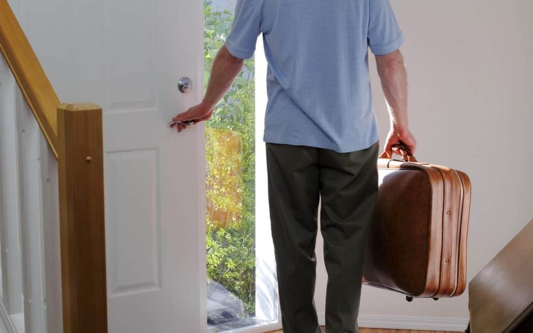 Vztahová poradna: Manžel s námi nebydlí, ale nechce nic řešit