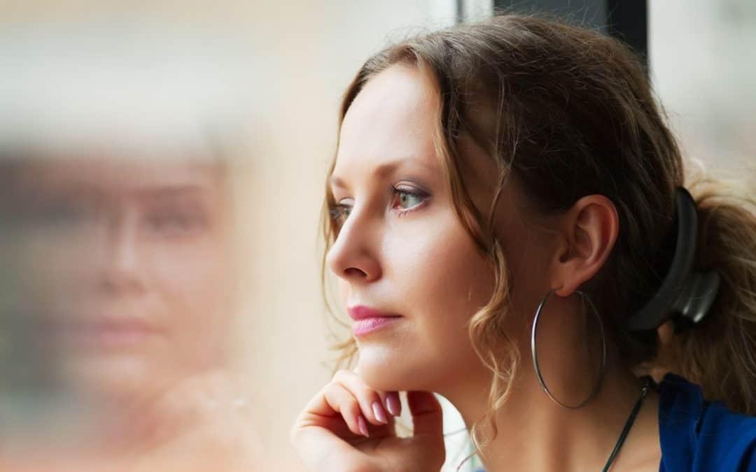 Vztahová poradna: Jsem rok a půl po rozchodu, mám nového přítele , ale stále myslím na svého ex