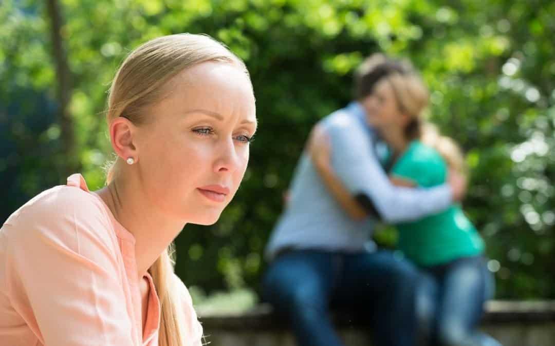 Vztahová poradna: Plánovali jsme budoucnost, ale ukázalo se, že už má ženu a dítě